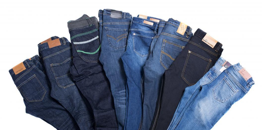 Åtta olika par jeans