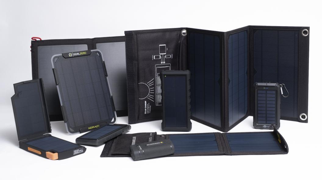 Testfakta har testat åtta portabla solcellspaneler avsedda för friluftsliv som säljs på den svenska marknaden. Foto: Ola Jacobsen