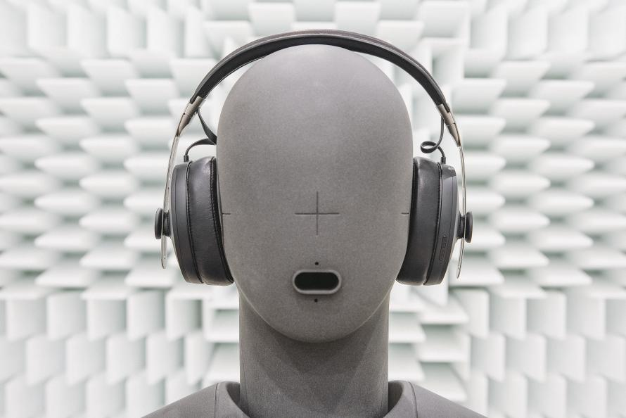 Hörlurarnas brusreducerande egenskaper har både uppmäts akustiskt och bedömts av experter i laboratoriet. Foto: Müller-BBM