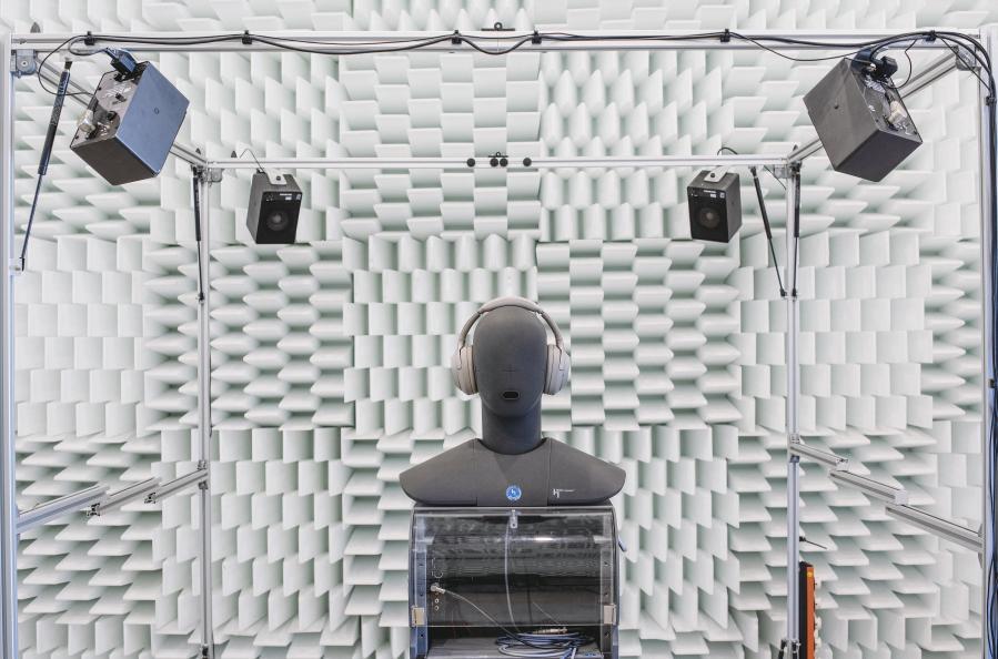 Både ljudkvalitet och brusreducerande egenskaper har testats av laboratoriet. Man har också bedömt användarvänliget och drifttid. Foto: Müller-BBM