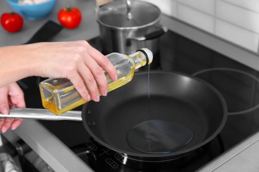 Smör, margarin eller olja – vad är egentligen nyttigast? Testfakta har kollat med en näringsfysiolog. Foto: Shutterstock