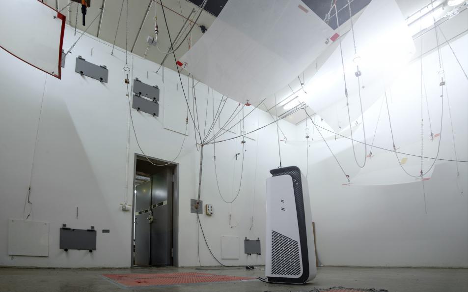 Ljudmätning enligt precisionsmetoden ISO 3741 utförs i ett så kallat efterklangsrum. Foto: Anna Sigge